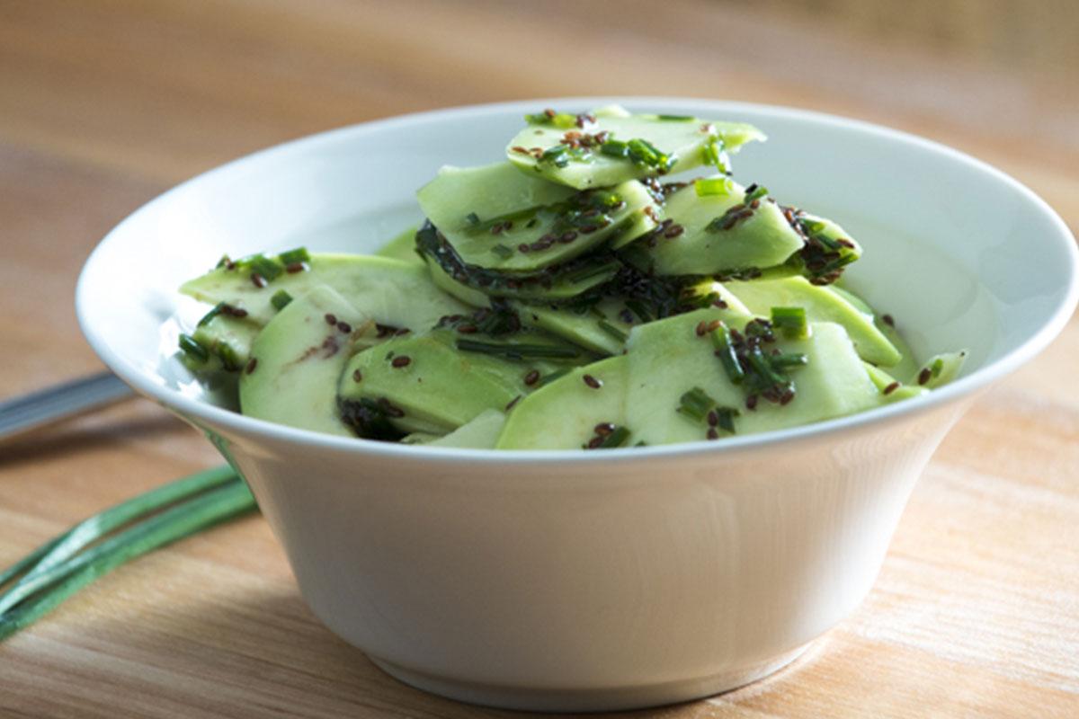 Avokadosalaatti 1