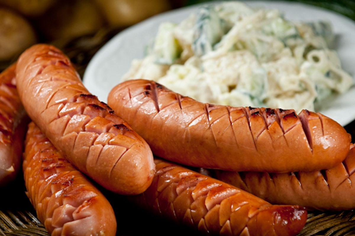 Grillimakkarat ja perunasalaatti 1