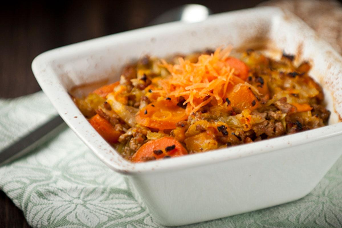Kaalipata porkkanoilla ja bataatilla