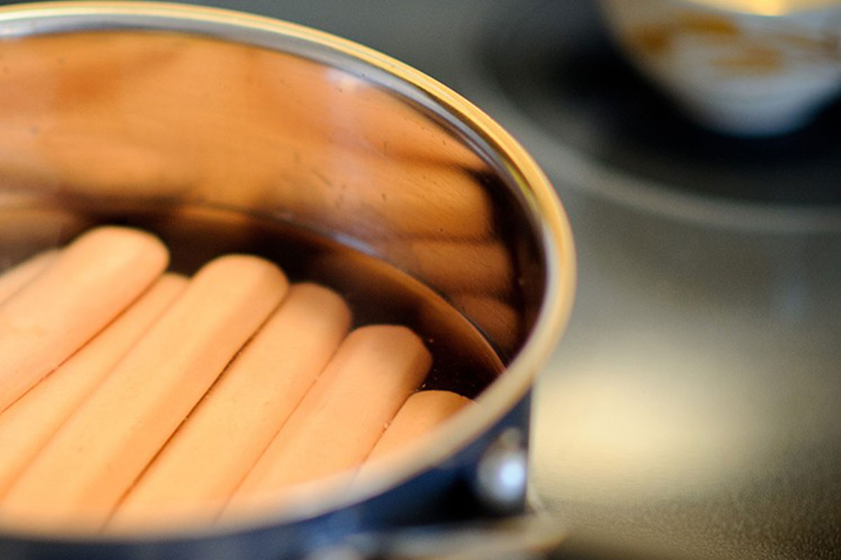 Keitetyt nakit: näin onnistuu nakkien keittäminen