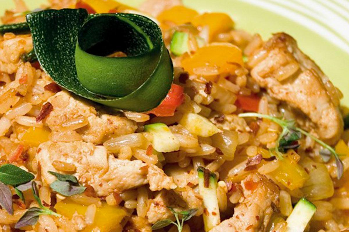 Paistettu riisi eli nasi goreng
